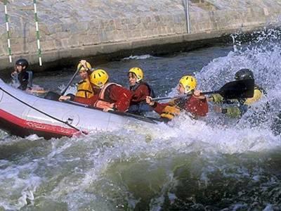Medium rafting